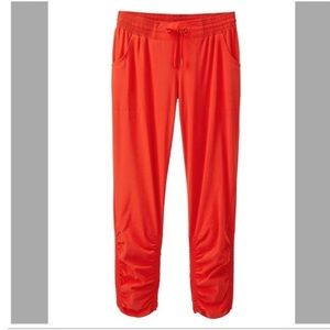 Athleta Prima Capri Joggers Red Ruched Ankle